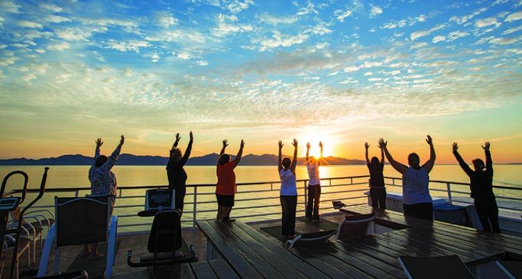 800x428-eric-lindberg-mexico-fitness-yoga.jpg